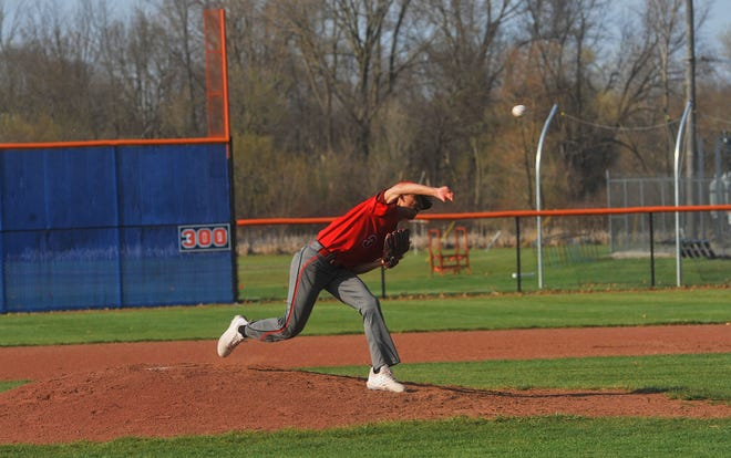 Marion Harding's Isaiah Nelson pitches against Galion.