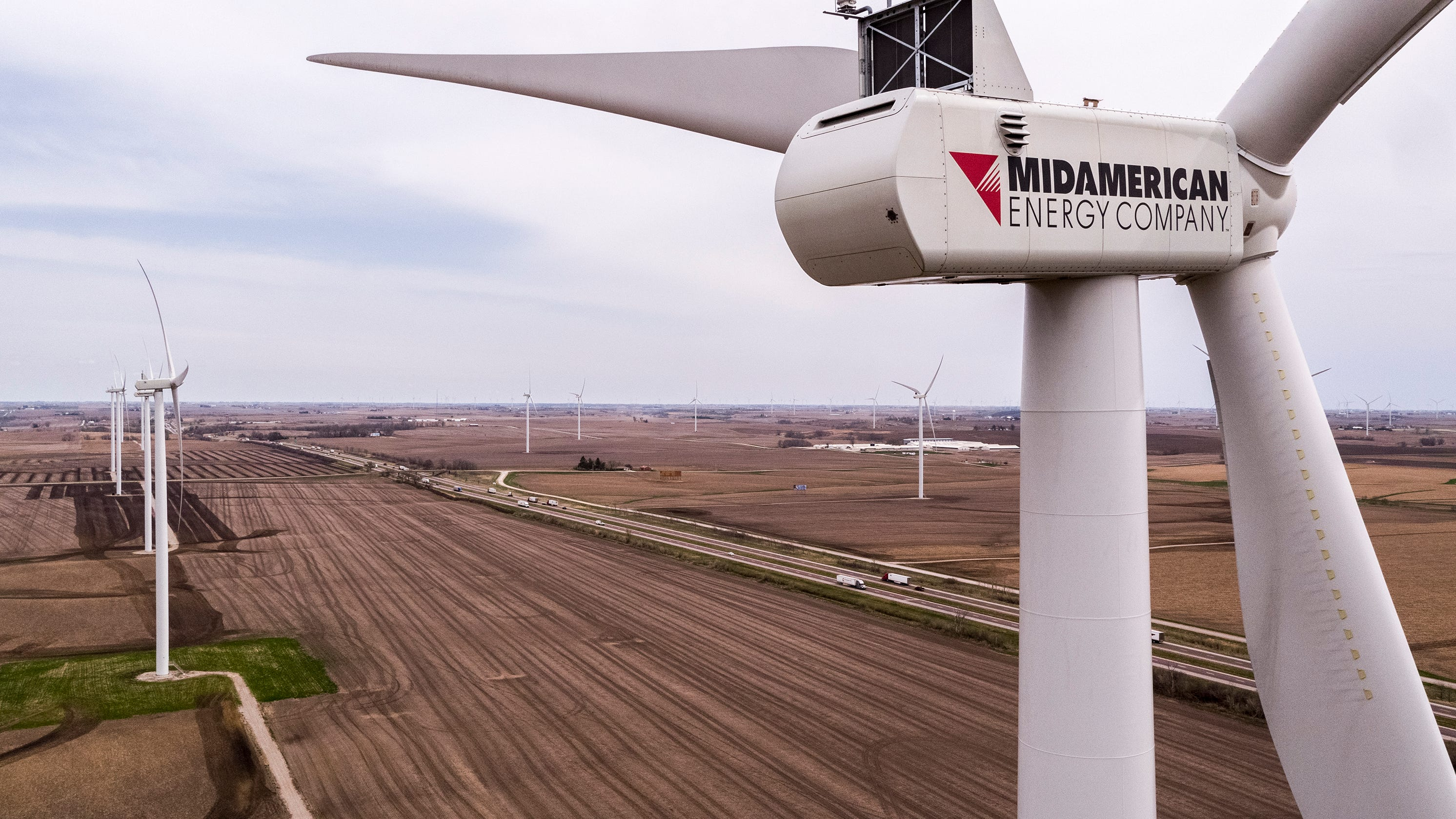 Wind power surges in Iowa as state nears 6,000 turbines