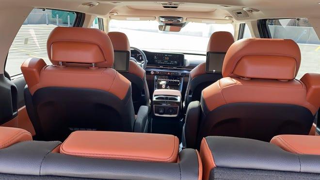 The 2022 Kia Carnival minivan's spacious interior seats seven or eight.