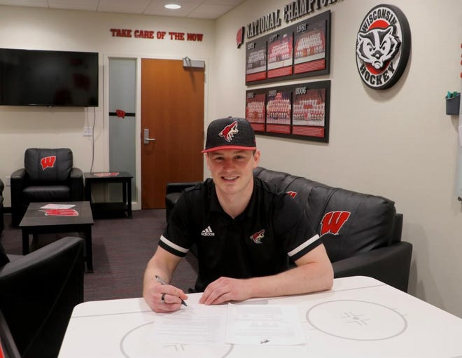 Arizona Coyotes 2018 draft pick Ty Emberson signs contract