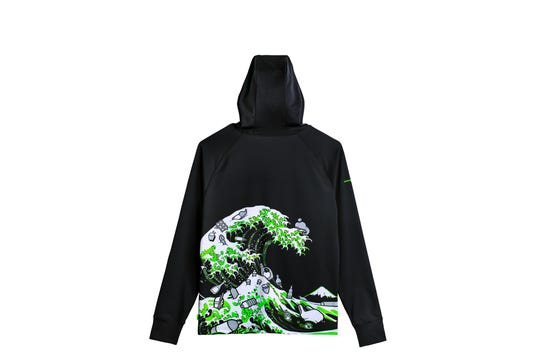 The gaming company Razer has a new limited edition clothing line inspired by the famous Great Wave outside the woodcarving in Kanagawa.  This hoodie ($ 149.99) and other products are made from materials made from recycled marine plastic and will fund efforts to reduce plastic in the oceans.