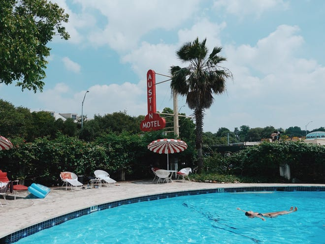 You can now make reservations for the pool at Austin Motel.