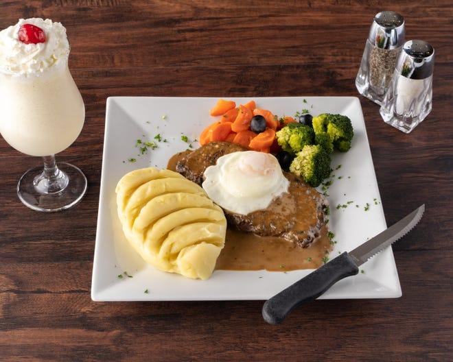 Steak (Pife / Pidok) é um chirloin suculento selecionado de molhos reais no Luanda Restaurant & Lounge em Procton.