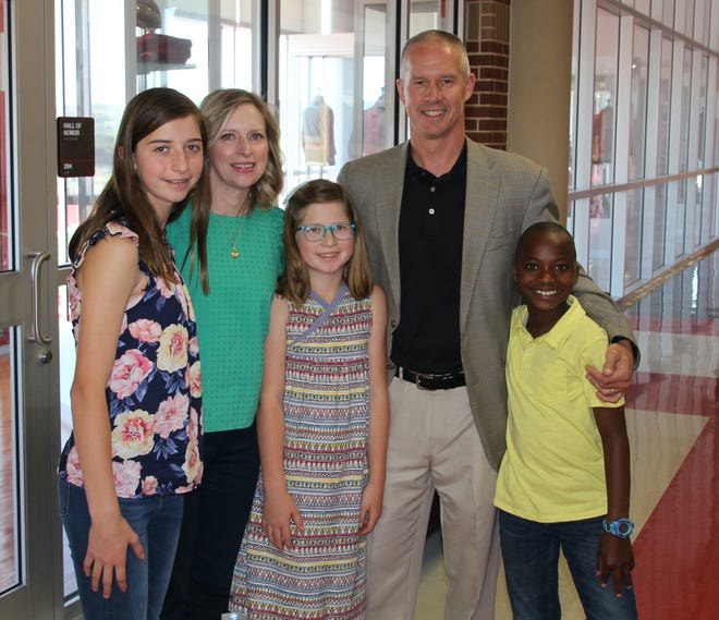 Glen Rose ISD held a welcome reception for new superintendent Dr. Trig Overbo and his family last Thursday at Tiger Arena. Members of the community were invited to meet Overbo and his wife, Ashley, and children, Ellie, Alberic and Charlie. Overbo was officially hired on Feb. 4 to replace the retiring Wayne Rotan, who was the superintendent for 15 years. His first official day on the job was March 22, the day students returned from spring break.