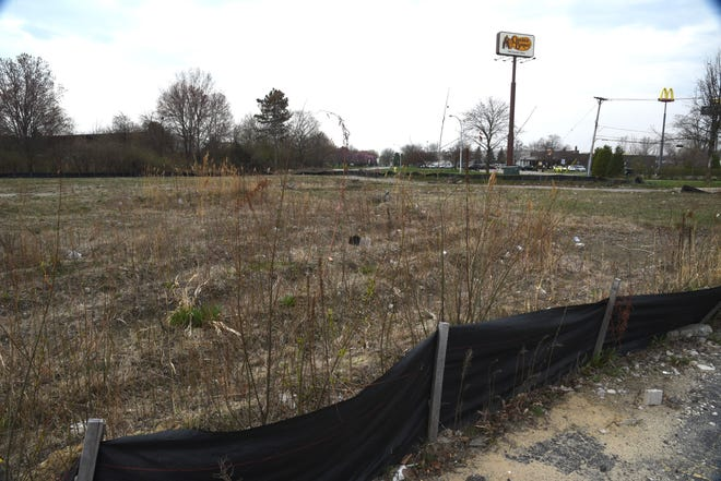 Monroe City Council cited a lack of progress and missing or incomplete documentation as it voted Monday to terminate a Brownfield Redevelopment Plan with Sampal LLC, the Fort Wayne-based developer who was looking to build a Comfort Inn Suites on this property at 1150 Ternes Drive, the site of the old Knight's Inn.