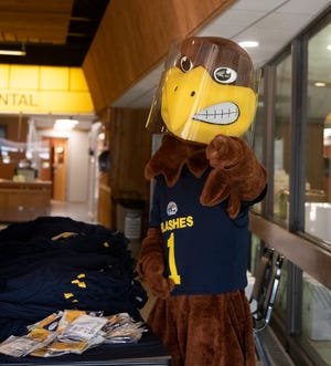 Kent State University held a vaccination clinic on campus at the Ice Arena for students. Flash was on hand.