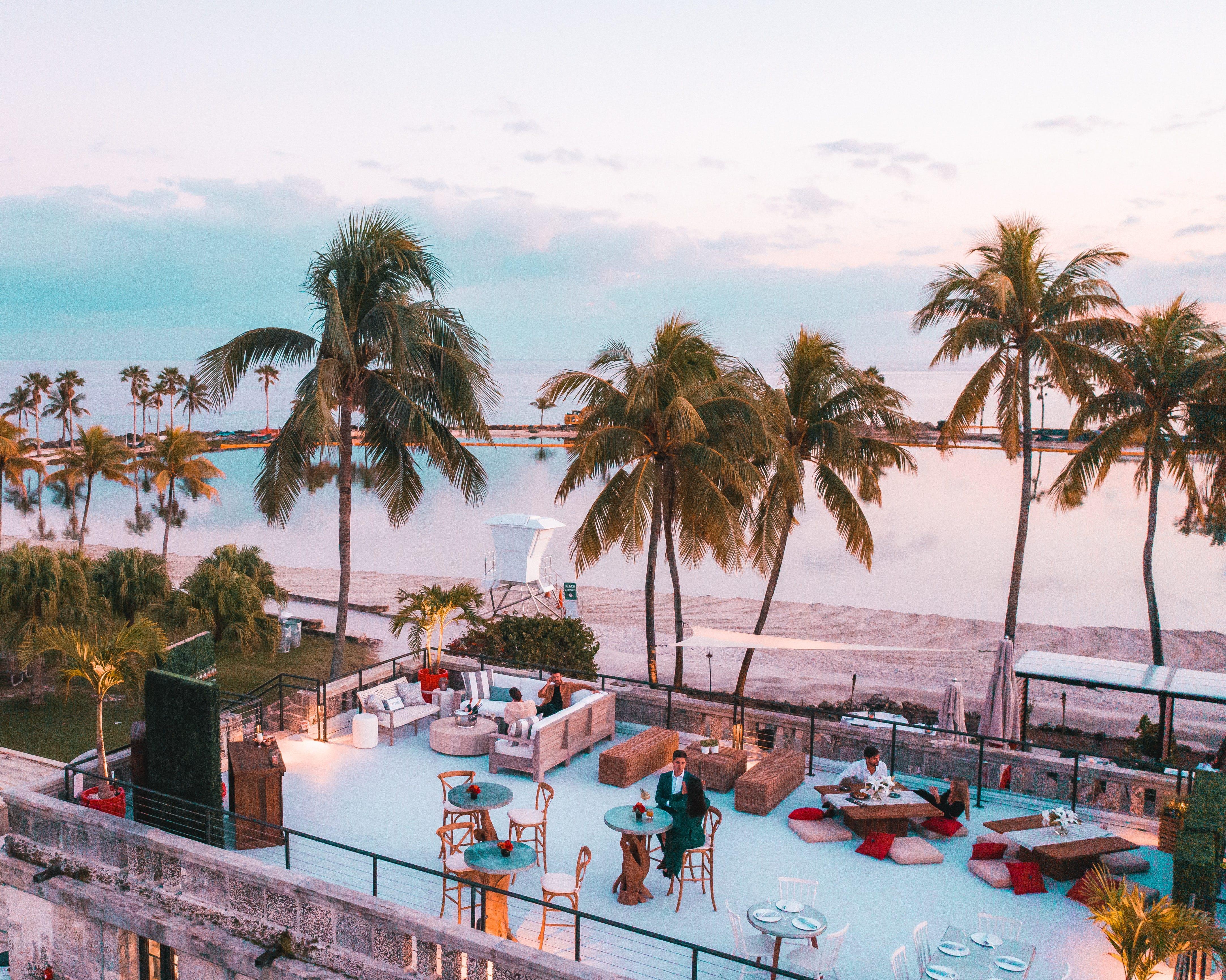10 of our favorite beachfront restaurants across Florida