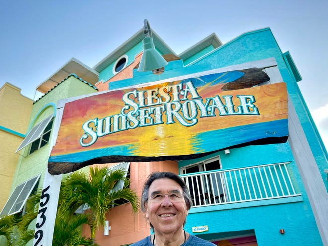 """Siesta Sunset Royale Hotel owner Paul Parr has the """"No Vacancy"""" sign up, a welcome development as spring season bookings heat up on Siesta Key a year after the COVID-19 pandemic reached Florida."""