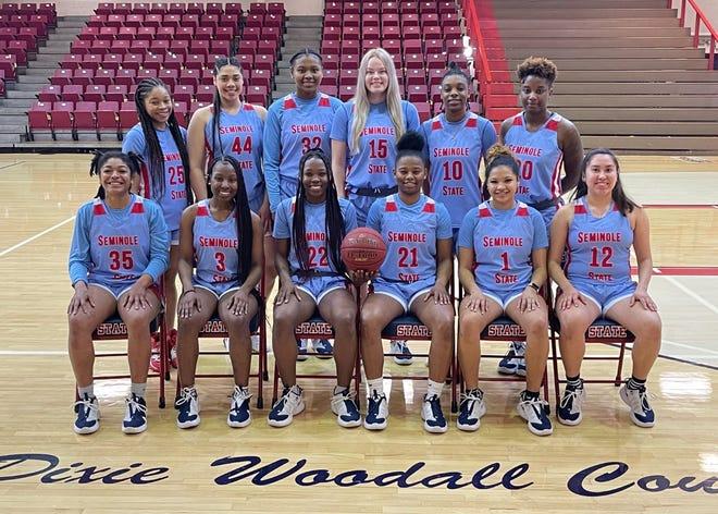 The 2021 Seminole State College women's basketball team.