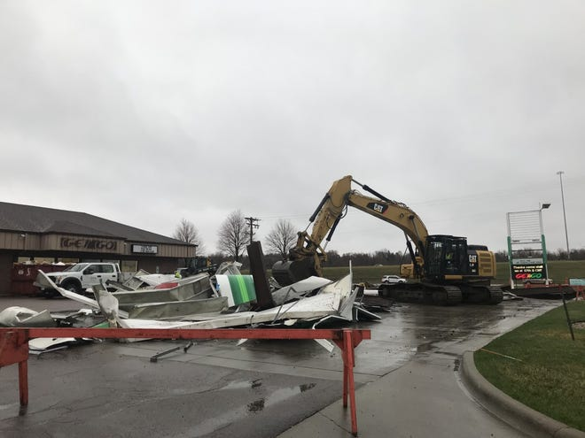 Get-n-Go closed its location at 3401 S. Cliff Ave. and tore down its pump station April 7, 2021.