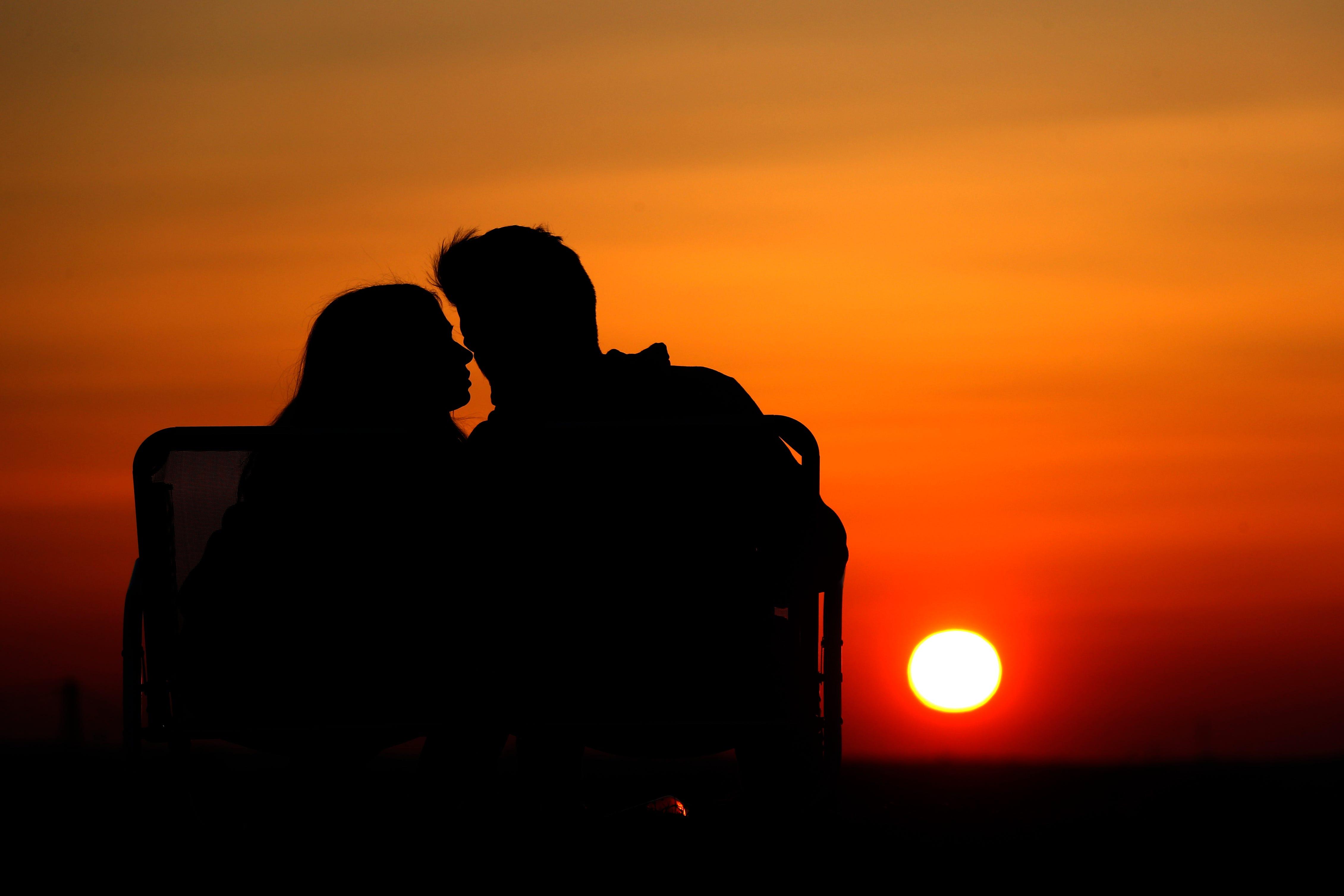 Asculta radio minisat online dating