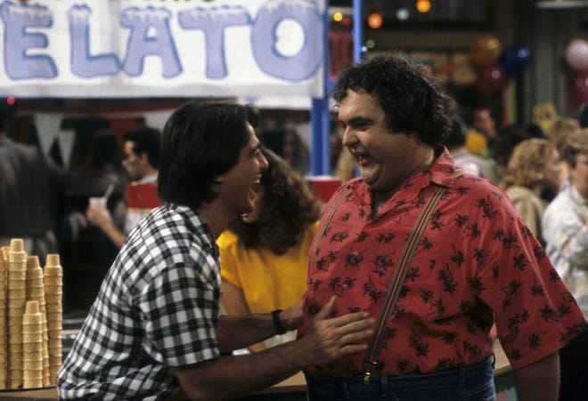 """Walter Olkewicz (R) and Tony Danza in """"Who's the Boss?"""" Olkewicz died Tuesday."""