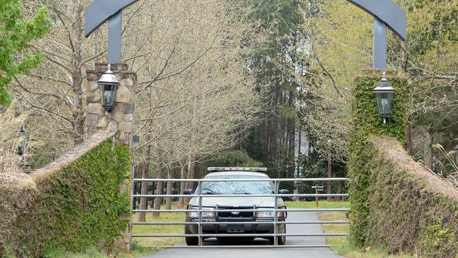 Robert Lesslie, family members useless in South Carolina capturing
