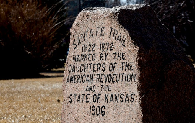 A marker for the Santa Fe Trail sits in the northern part of Finnup Park, marked by the Daughters of the American Revolution and the state of Kansas in 1906.