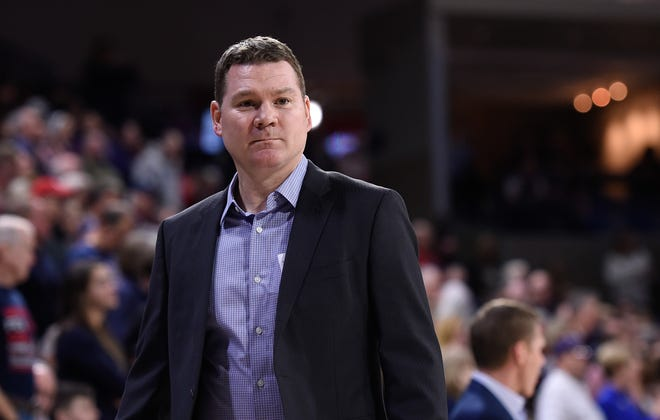 Gonzaga assistant coach Tommy Lloyd is the favorite to land the Arizona coaching job.