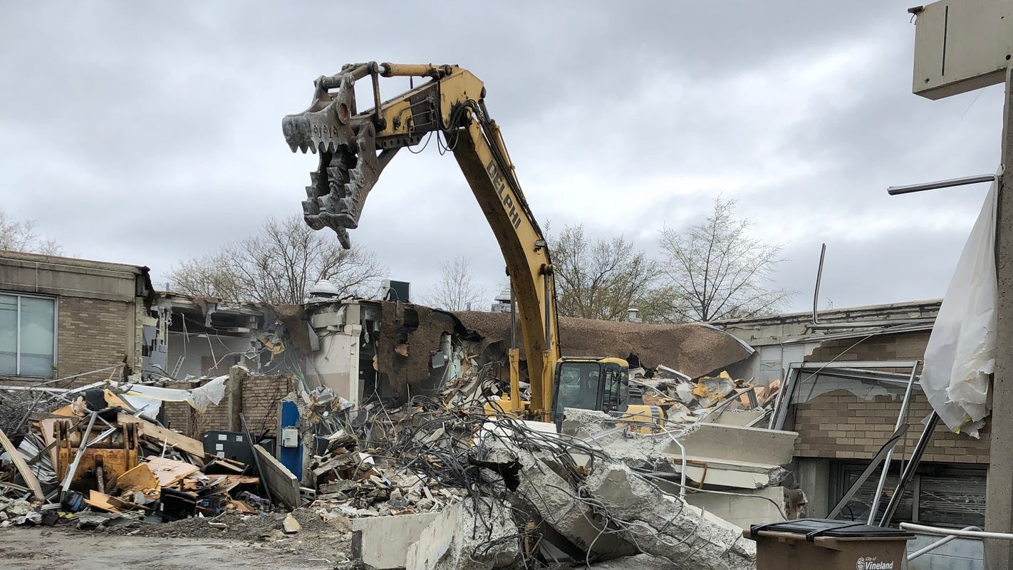 Time's up for former Vineland police station, demolition crew brings it down