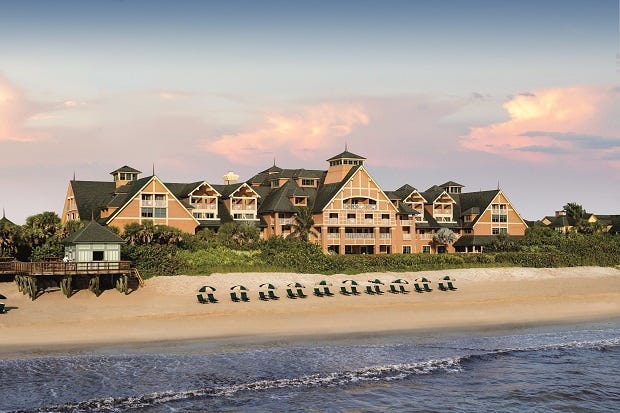 Located on Florida's Treasure Coast, Disney's Vero Beach Resort reminds visitors of an old-fashioned Northeastern coastal retreat.