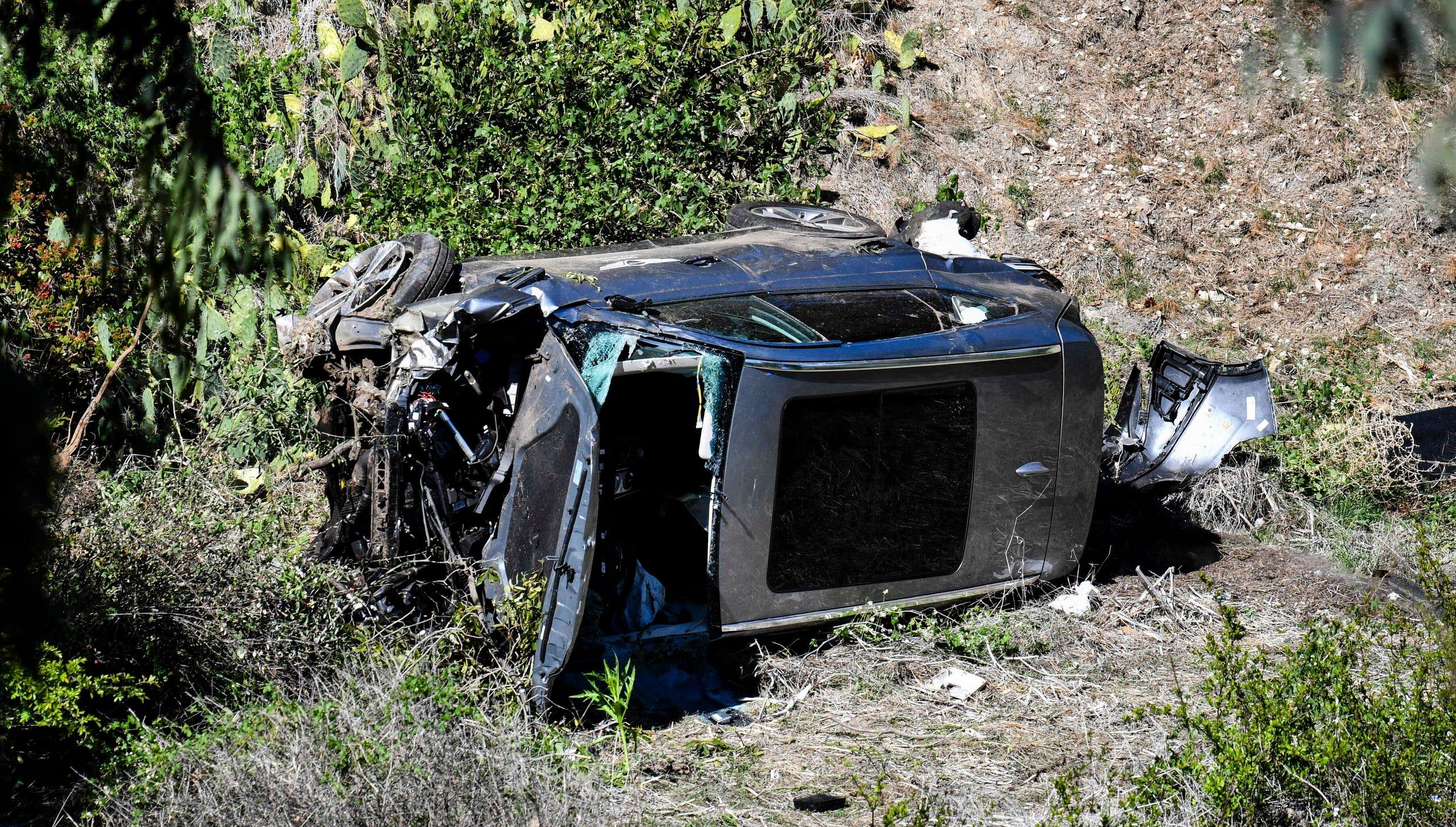Pojazd Tigera Woodsa po tym, jak brał udział w przewróceniu się pojazdu w Rancho Palos Verdes w Kalifornii, 23 lutego.