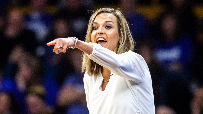 Opinion: In hiring Drake's Jennie Baranczyk, Oklahoma women's basketball gets a proven coach