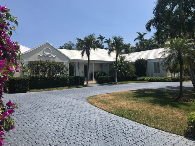 A company controlled by developer Carl Sabatello had bought this house at 584 Island Drive on Everglades Island in Palm Beach for a recorded $13.9 million. Sabatello says he is planning to raze the house and build a new one on speculation.