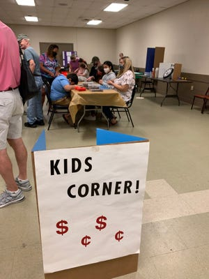 Το Kids Corner στο Coin Show Kids προσφέρει παιχνίδια, δραστηριότητες και ευκαιρίες να κερδίσετε βραβεία νομισμάτων.