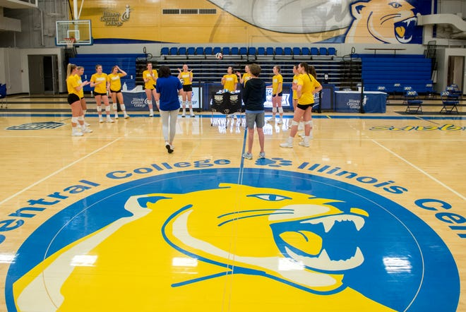 The ICC volleyball team gathers during a break in a recent practice at Lorene Ramsey Gym in the CougarPlex.