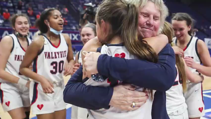 Sacred Heart wins a fifth state basketball championship