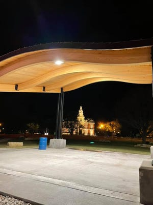 Cambridge's new bandshell in College Square Park