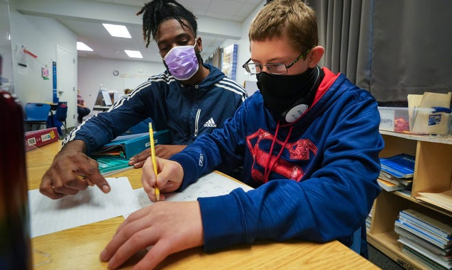 Small class sizes allow for increased teacher-to-student engagement and enhance student experiences at Easterseals Academy, where students with autism and related developmental disabilities enjoy traditional classroom settings as well as IEPs to guide their educational goals.