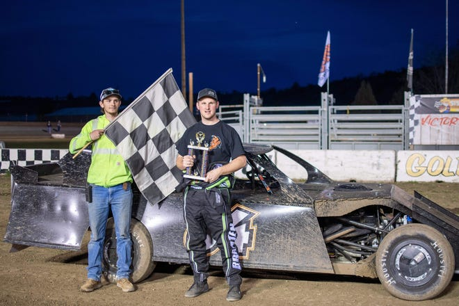 Jorddon Braaten, right, won the IMCA Sports Mod race at the Siskiyou Motor Speedway in Yreka on April 3