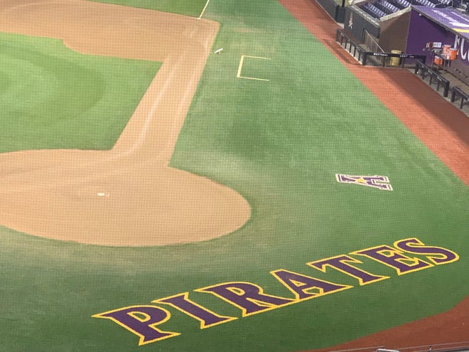 No. 9 ECU  (26-5, 8-0) is undefeated in AAC play heading into this weekend's series at Houston.