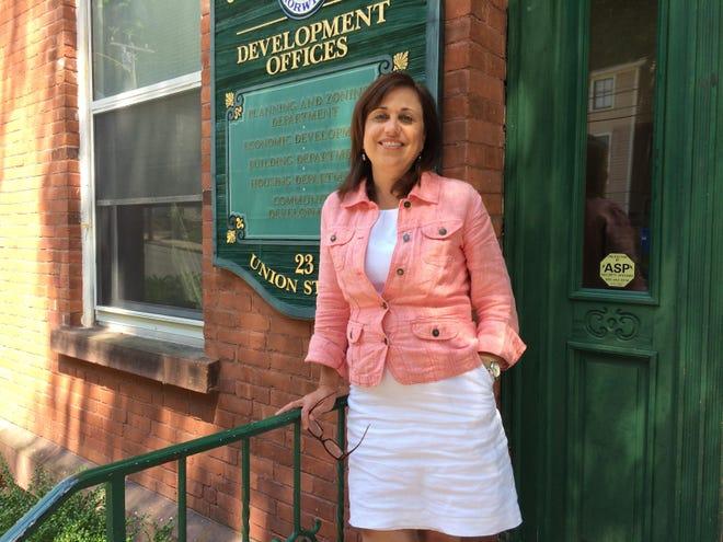 Norwich City Planner Deanna Rhodes