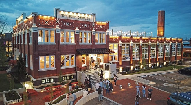 Il Budd Dairy Food Hall si trova al 1086 N. 4th St.  Nel quartiere del villaggio italiano di Columbus.