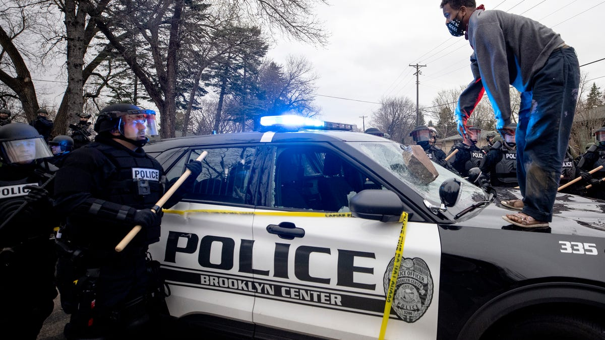 Minnesota police shoot, kill man after traffic stop incident 2