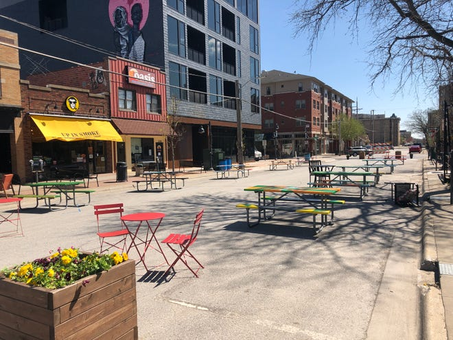 Downtown Iowa City Outdoor Seating, Iowa City Furniture