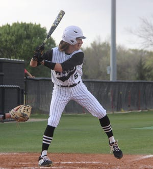 Lone Grove's Gavin Peery hit a pair of homers and drove in five runs Monday during a 17-0 victory over Davis.