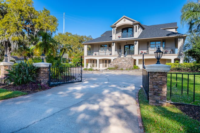 While under construction in 2005, the owners engaged the area's most talented designers, craftsmen and subcontractors to create this iconic Ormond Beach property.
