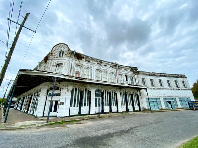 Renovation of the Lemann building, located at the corner of Mississippi Street and Railroad Avenue, has begun in the Donaldsonville historic district.