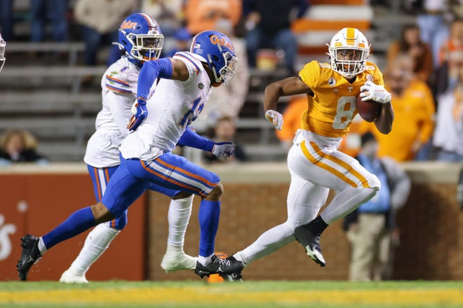 Former Tennessee running back Ty Chandler (8), pictured here in a December 2020 home game against Florida, will play at UNC as a graduate transfer in 2021.