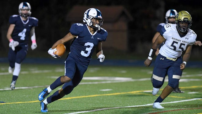 Asheville School junior wide receiver Jaden Watkins (3) runs after a catch during a home game against Hickory Grove Christian on Oct. 2, 2020.