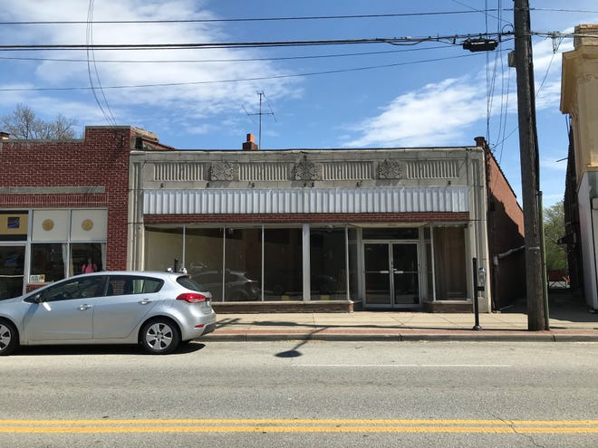 Sleepy Bee Cafe plans to open a restaurant open for breakfast, lunch and dinner at a vacant building at 5920 Hamilton Avenue in College Hill owned by a community redevelopment group.