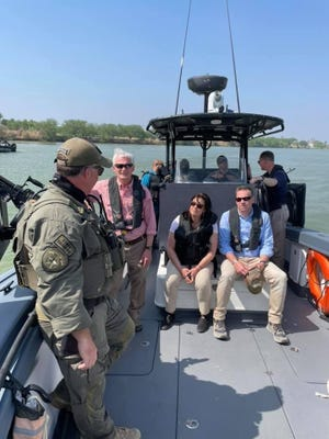 Congressman Bob Latta (R-OH5) speaks with border patrol during a fact-finding trip to the Southern border recently.