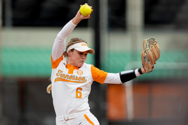 Pitcher Samantha Bender #6 of the Tennessee Lady Volunteers during the game between the LSU Tigers and the Tennessee Lady Volunteers at Sherri Parker Lee Stadium in Knoxville, TN.