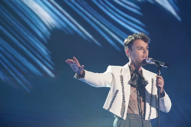 Wedding singer Beane,who was praised by the judges on Sunday for his likability, couldn't plant himself amongthe top 10 vote-getters.