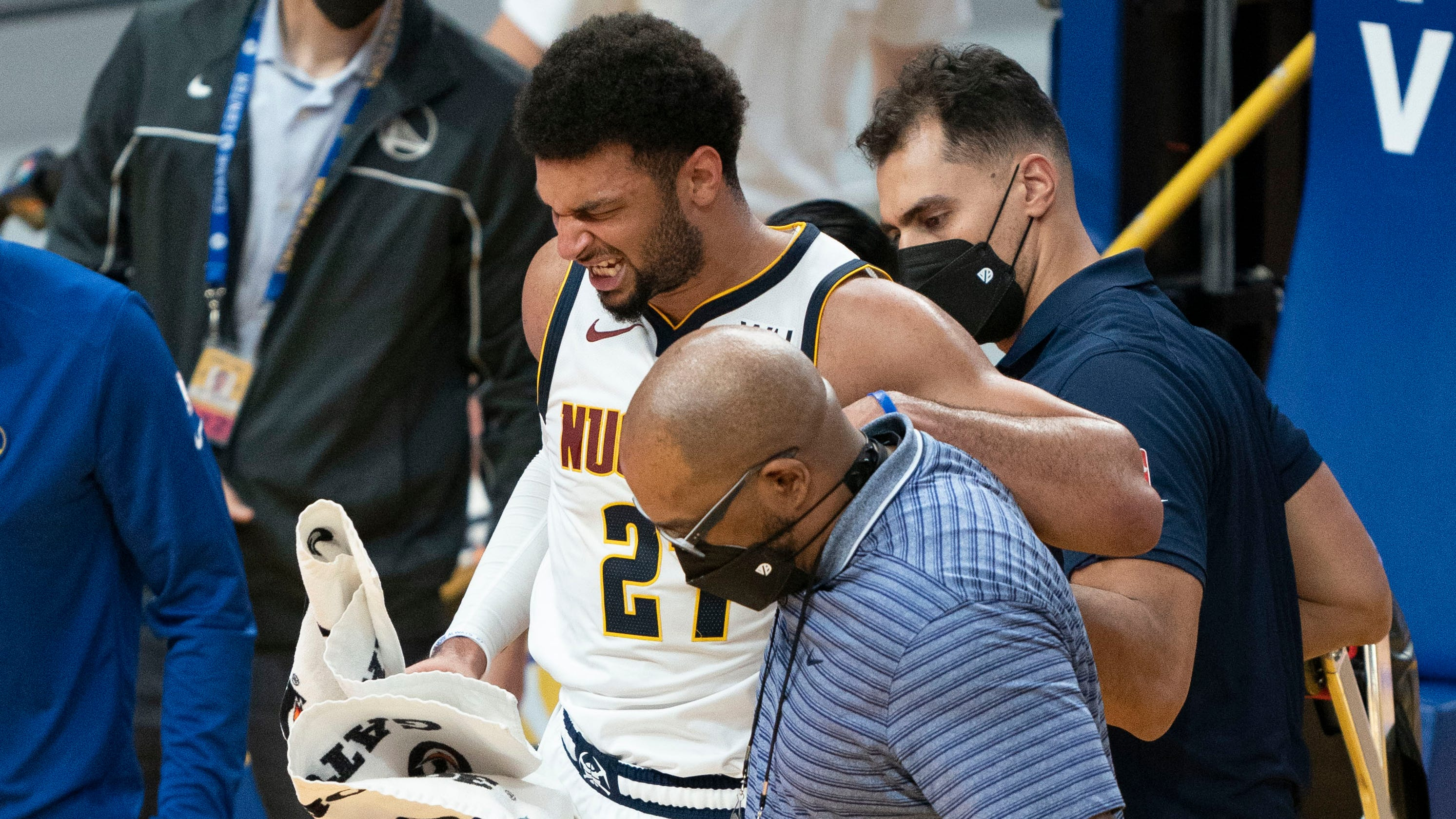 Jamal Murray's late-game knee injury a potentially devastating blow to Nuggets