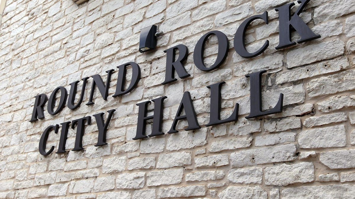 Tina Steiner, Kristin Stevens vie for Place 5 seat on Round Rock City Council