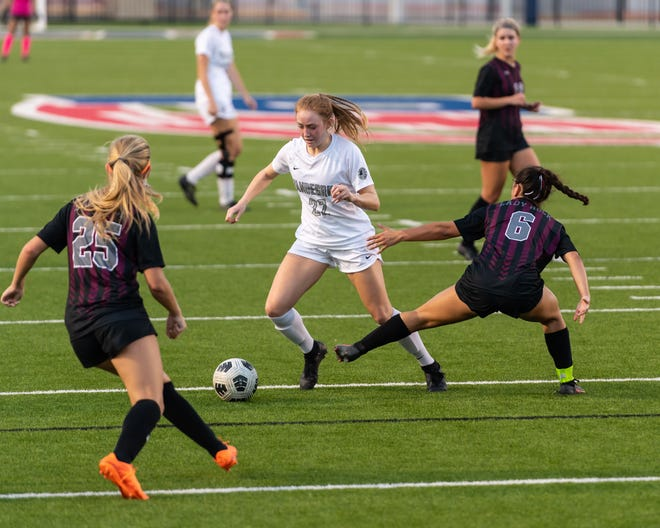 Vandegrift's Ellise Putnam moves the ball upfield in a playoff win over Round Rock last week. Putnam and the Vipers blasted Houston Memorial 3-0 in a Class 6A state semifinal Tuesday to advance to Friday's championship match against Flower Mound.