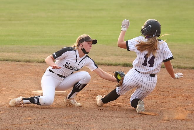 Vadegrift shortshop Riley Weigelt makes the tag out at second base against Ceder Ridge April 13 at Cedar Ridge High School. Cedar Ridge defeated Vandegrift 5-2 to stay in first place in District 25-6A