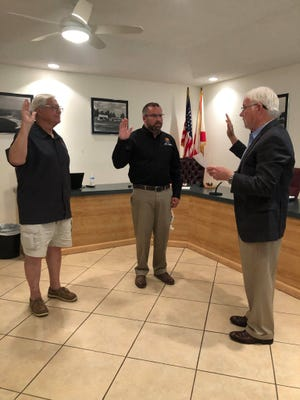 The town of Shalimar welcomed back Commissioner Ricardo Garcia and Mayor Mark Franks on Tuesday as they were sworn in for new terms.