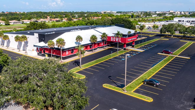 CoastLife Church has purchased the former AMF Venice Lanes for $2.7 million. After a renovation, the new 42,792-square-foot location will nearly triple the congregation's footprint.